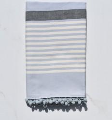Strandtuch weißer cremefarbener, grauer und blauer Wagen mit Bommeln