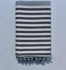 Strandtuch schmutzig weiß, grau und dunkelgrau mit Pompons